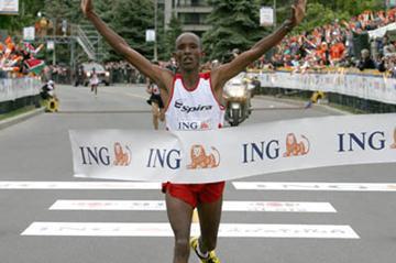 2:10:35 course record for David Cheruiyot in Ottawa  (2007) (Victah Sailer)
