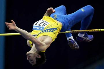 Linus Thörnblad of Sweden clears the bar in Moscow (Getty Images)