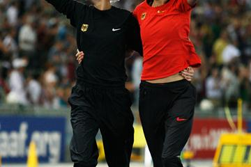 Ariane Friedrich and Meike Kröger do lap a of honour in front of their home crowd in Berlin (Getty Images)