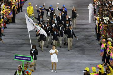 Rose Nathike Lokonyen of the of the Refugee Olympic Team carries the flag at the Rio 2016 Opening Ceremony (Getty Images)