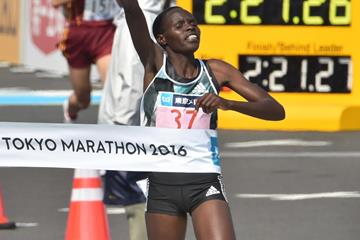 Helah Kiprop winning at the 2016 Tokyo Marathon (Getty Images / AFP)