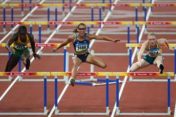 Lolo Jones clips the penultimate hurdle and goes from first to seventh in the sprint hurdles final (Getty Images)