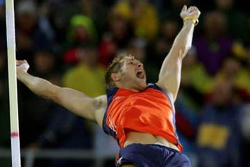 Rens Blom celebrates winning the men's Pole Vault (Getty Images)