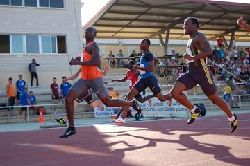 Francis Obikwelu wins the 100m in Salamanca (Álvaro Hernández Rivero)