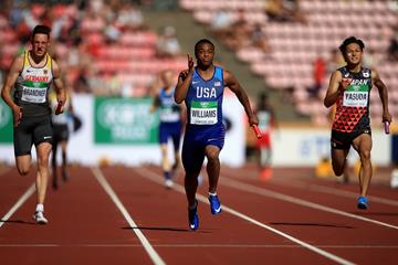 USA anchor Micah Williams clinches gold in the 4x100m relay at the IAAF World U20 Championships Tampere 2018 (Getty Images)