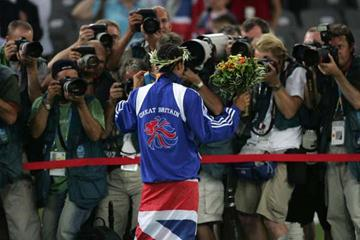 Kelly Holmes poses for photographers (Getty Images)