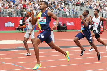 Akeem Bloomfield wins the 400m at the IAAF Diamond League meeting in London (Jean-Pierre Durand)
