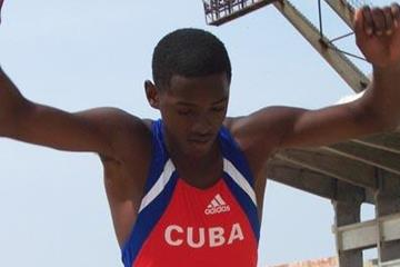 Youth triple jumper Hector Dairon (CUB) (Javier Clavelo Robinson)