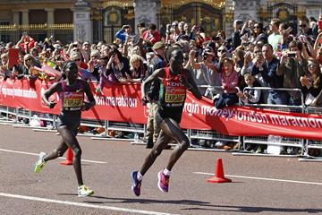 Florence and Edna Kiplagat in the 2014 London Marathon (Getty Images)