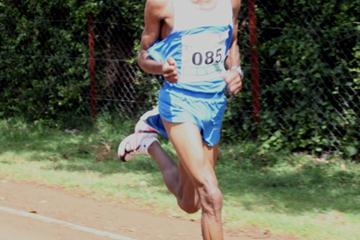 Ernest Kebenei en route to his victory in the Nyeri Half Marathon (Peter Njenga)