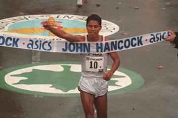 Mexico's Gérman Silva wins 1994 New York Marathon (Getty Images)