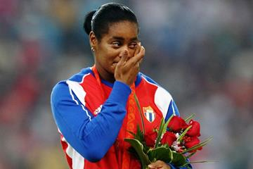 Cuban hammer thrower Yipsi Moreno on the hammer podium (Getty Images)