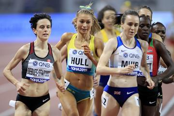 Gabriela DeBues-Stafford (l) in her 1500m semi-final at 2019 World Championships (Getty Images)