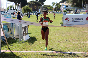 Likina Amebaw wins at the Almond Blossom Cross Country in Albufeira (Organisers)