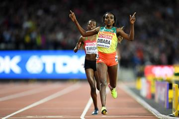 Tirunesh Dibaba of Ethiopia finishes second in the women's 10,000m at the IAAF World Championships London 2017 (Getty)
