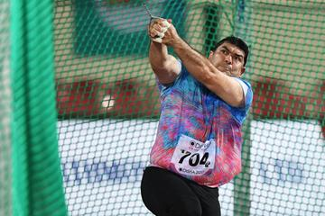 Dilshod Nazarov spins to another Asian hammer throw title (AFP/Getty Images)
