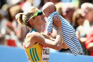 Claire Tallent with her 11-week-old baby at the end of the 20km race walk at the IAAF World Championships London 2017 (Getty Images)