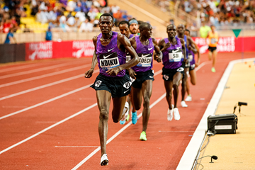 Caleb Ndiku on his way to winning the 3000m at the IAAF Diamond League meeting in Monaco (Philippe Fitte)