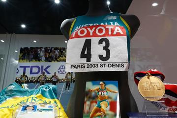 Jana Pittman's 2003 IAAF World Champs gold medal, vest and bib number - IAAF Heritage ()