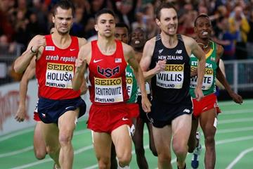 Matthew Centrowitz leads the 1500m at the IAAF World Indoor Championships Portland 2016 (Getty Images)