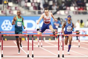 Karsten Warholm en route to his second straight world 400m hurdles title (Getty Images)