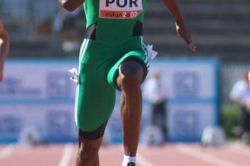 Dominating 100m win by Francis Obikwelu in Milan (Lorenzo Sampaolo)