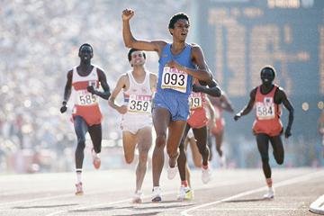 Joaquim Cruz wins the 1984 Olympic 800m title (Getty Images)