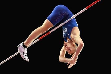 Sam Kendricks clears the bar in the men's pole vault final (Getty Images)