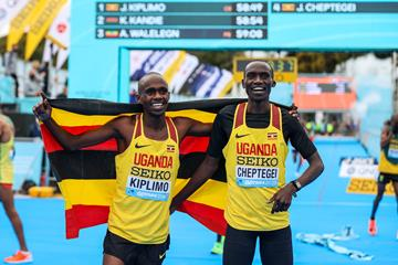 Jacob Kiplimo and Joshua Cheptegei at the World Athletics Half Marathon Championships Gdynia 2020 (Dan Vernon)