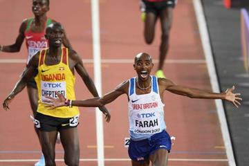 Mo Farah winning his third straight world 10,000m title (Getty Images)