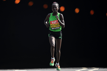 Mary Keitany on her way to winning the London Marathon (Getty Images)