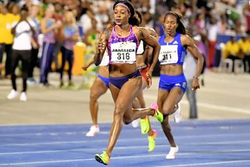 Elaine Thompson winning the Kingston 200m (Errol Anderson)
