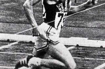 Mike Larrabee winning the 400m gold at the 1964 Olympics (Track and  Field Magazine of Japan)
