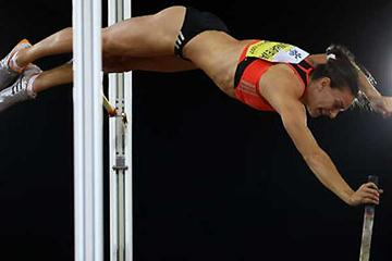 Yelena Isinbayeva clears 4.80 on her third try in Zürich (Getty Images)