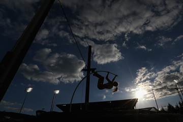Pole vaulter in action (Getty Images)