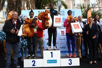 Women's podium in Cannes, from left: runner-up Meseret Gola, winner Tejitu Siyum and Tigist Shetu (mouv-up.com)