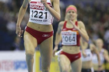 Lidia Chojecka en route to victory in the 3000 to secure her unprecendented double in Birmingham (Getty Images)