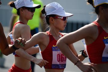 Lu Xiuzhi en route to her 20km victory in Taicang (Ji Chunpeng)