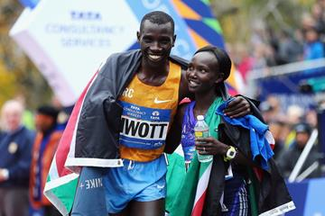 2015 New York City Marathon winners Stanley Biwott and Mary Keitany  (Getty Images)