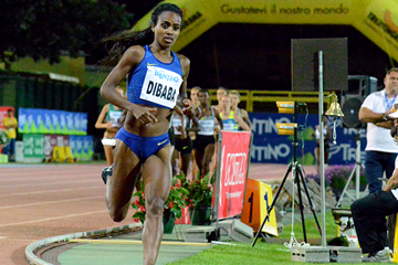 Genzebe Dibaba on her way to winning the mile in Rovereto (Organisers / Valeria Biasioni)