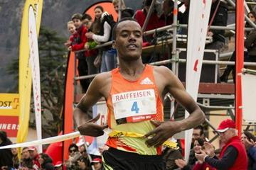 Ethiopia's Muktar Edris winning the 2013 Media Blenio 10km  (Organisers - Daniela Salmina)