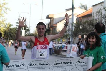 Valeriy Borchin takes the victory in Rio Maior (Marcelino Almeida)