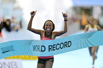 Peres Jepchirchir wins the World Athletics Half Marathon Championships Gdynia 2020 (Getty Images)
