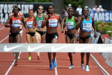 Kenia Sinclair, a dominant run to beat World champion Caster Semenya in Eugene (Kirby Lee)