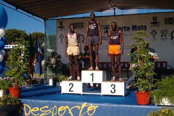 Amora medallists, from left - Mosop (2nd), Kipkoech (1st) and Chermweno (3rd) (Paulo Costa)