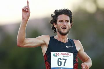 Collis Birmingham winning the 5000m in Hobart (Getty Images)