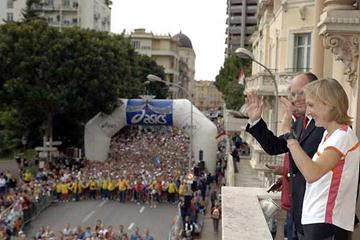 HSH Prince Albert II of Monaco, and Britain's Paula Radcliffe at the start of the 2005 Monaco Marathon (Sean Wallace-Jones)