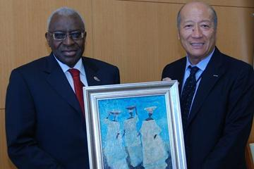 IAAF President Lamine Diack with President & CEO Dentsu Group Tadashi Ishii (Dentsu)