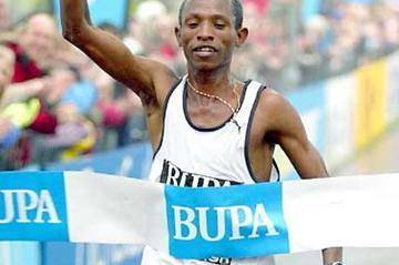 Fabiano Joseph of Tanzania takes victory in Edinburgh (Mark Shearman)