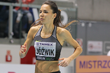 Joanna Jozwik on her way to winning the 800m at the IAAF World Indoor Tour Meeting in Torun (Jean-Pierre Durand)